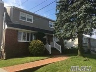 2 BR,  1.00 BTH  Apt in house style home in Seaford