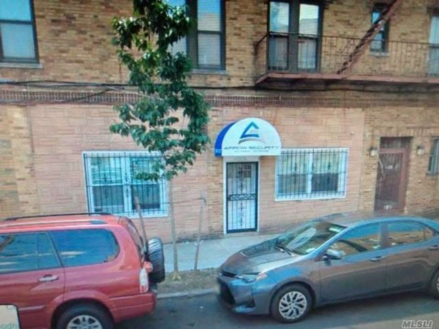 [Woodhaven Real Estate, listing number 3105620]