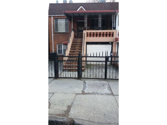 4 BR,  2.00 BTH  Townhouse style home in East Flatbush