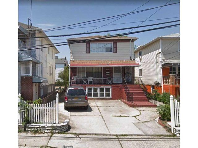 6 BR,  3.00 BTH 2 story style home in Far Rockaway