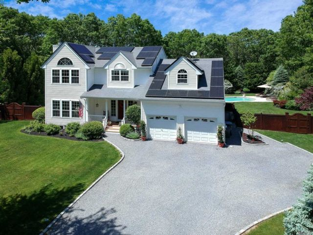 5 BR,  3.50 BTH  Post modern style home in Westhampton
