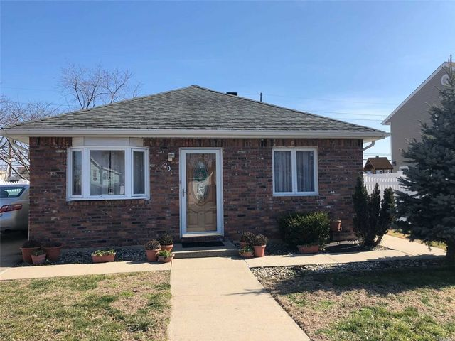3 BR,  1.00 BTH Ranch style home in Island Park