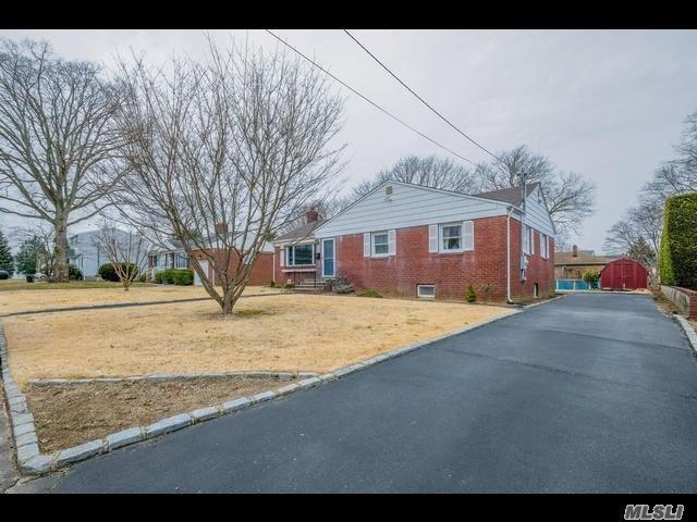 [West Babylon Real Estate, listing number 3106083]
