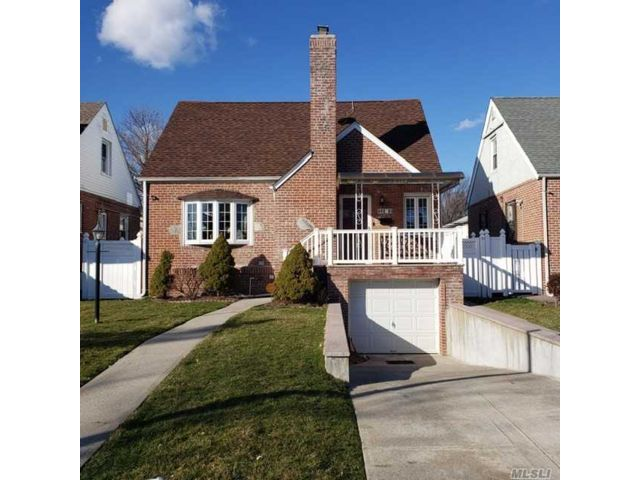 2 BR,  2.00 BTH Cape style home in Queens Village