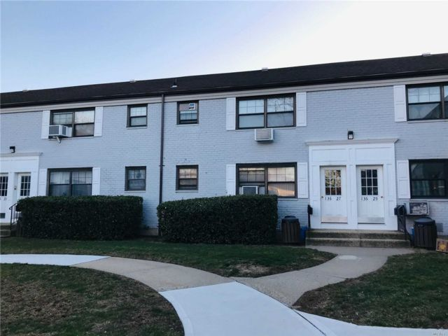 1 BR,  1.00 BTH  Co-op style home in Kew Garden Hills