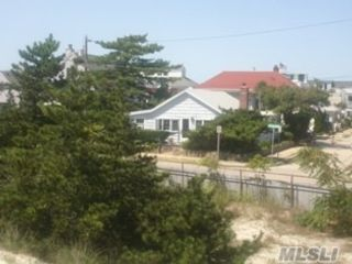 3 BR,  3.00 BTH  Ranch style home in Point Lookout