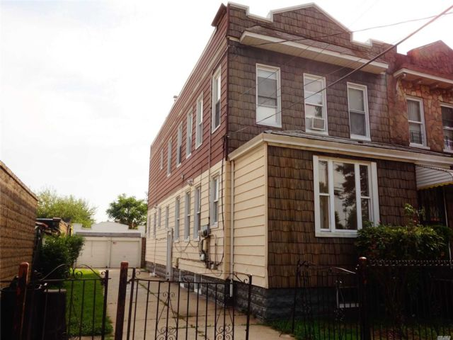 7 BR,  3.00 BTH  Colonial style home in Springfield Gardens