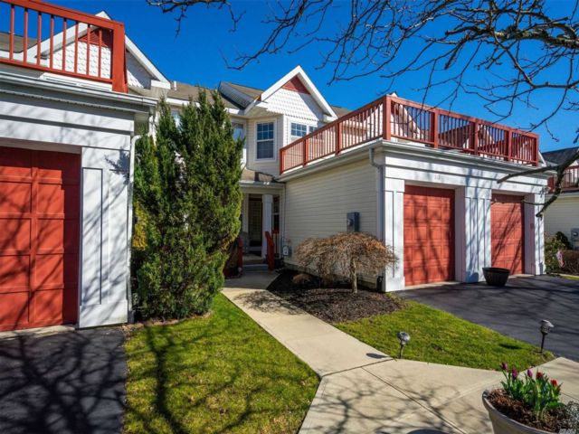2 BR,  2.50 BTH  Condo style home in Port Jefferson Station