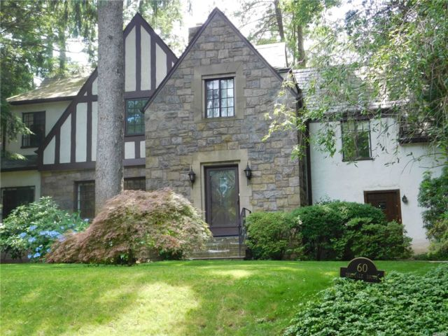5 BR,  5.00 BTH  Tudor style home in Great Neck
