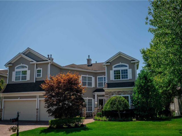 5 BR,  4.50 BTH Post modern style home in Mt. Sinai