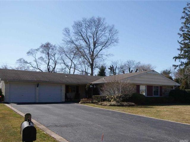 [Stony Brook Real Estate, listing number 3106402]