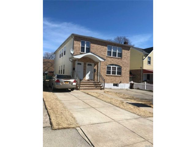 6 BR,  5.00 BTH  Colonial style home in Cambria Heights