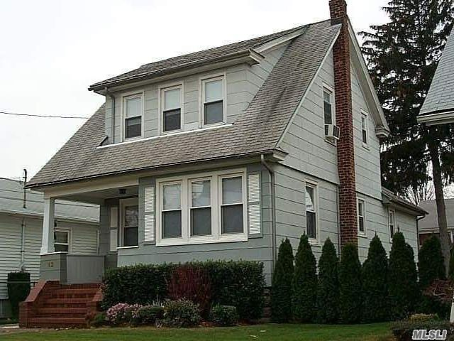 2 BR,  1.00 BTH Apt in house style home in Valley Stream