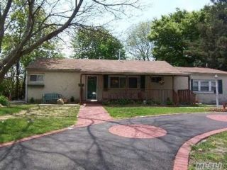 3 BR,  3.00 BTH Ranch style home in Central Islip