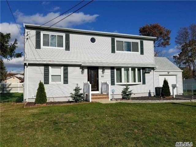 2 BR,  1.00 BTH  Apt in house style home in West Babylon