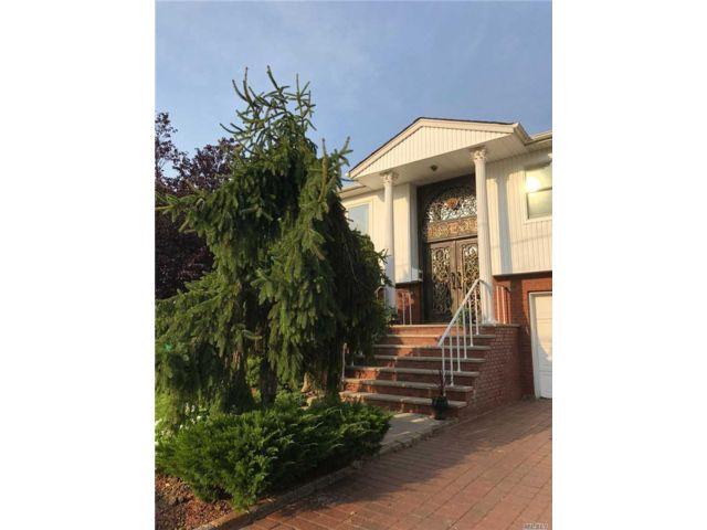 [Merrick Real Estate, listing number 3106776]