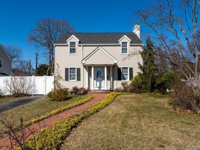 2 BR,  1.50 BTH Colonial style home in Baldwin
