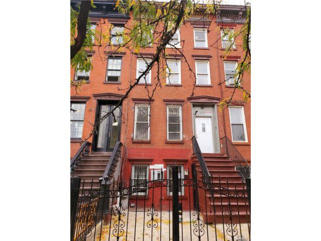 10 BR,  4.00 BTH Other style home in Bushwick