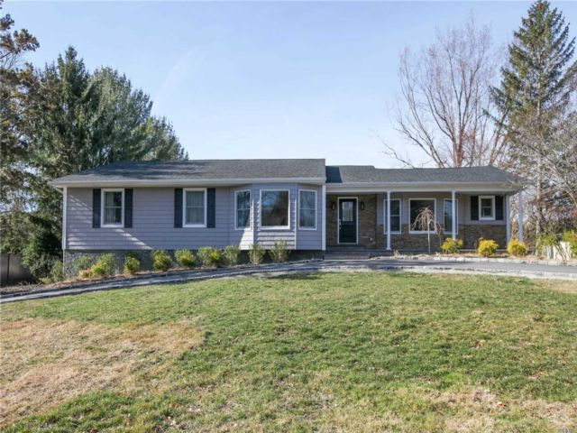 4 BR,  3.00 BTH Ranch style home in Melville