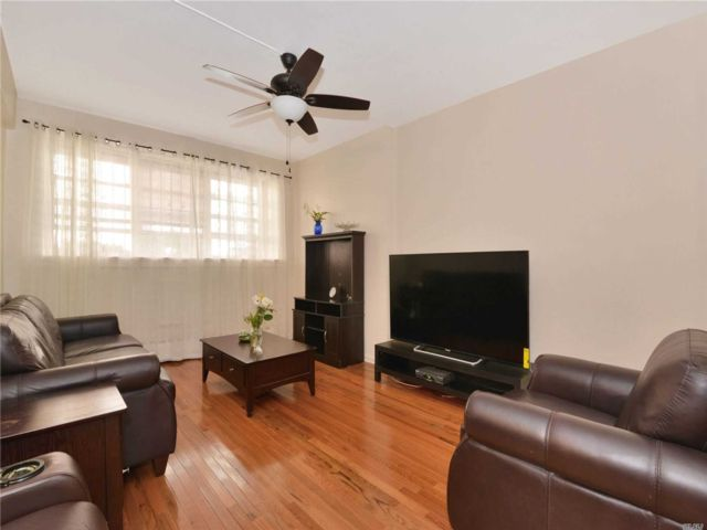 2 BR,  1.00 BTH  Other style home in Flatbush