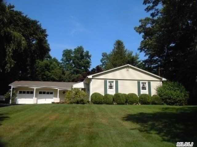 3 BR,  2.50 BTH Ranch style home in Miller Place
