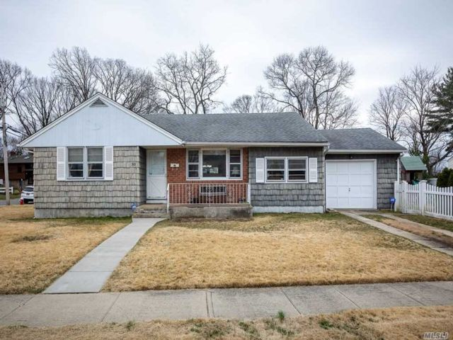 4 BR,  2.00 BTH Ranch style home in East Norwich
