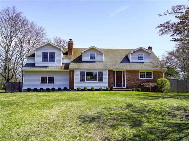 4 BR,  3.00 BTH  Cape style home in Stony Brook
