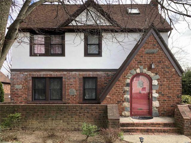 3 BR,  1.50 BTH Tudor style home in Baldwin