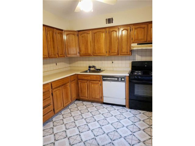 2 BR,  2.00 BTH Co-op style home in Coram