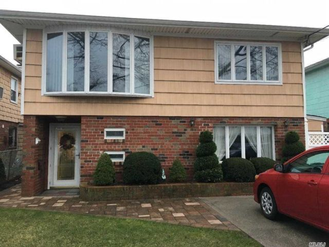 [Howard Beach Real Estate, listing number 3107379]