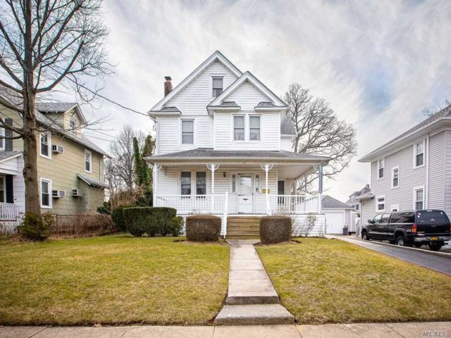 4 BR,  1.50 BTH Colonial style home in Rockville Centre