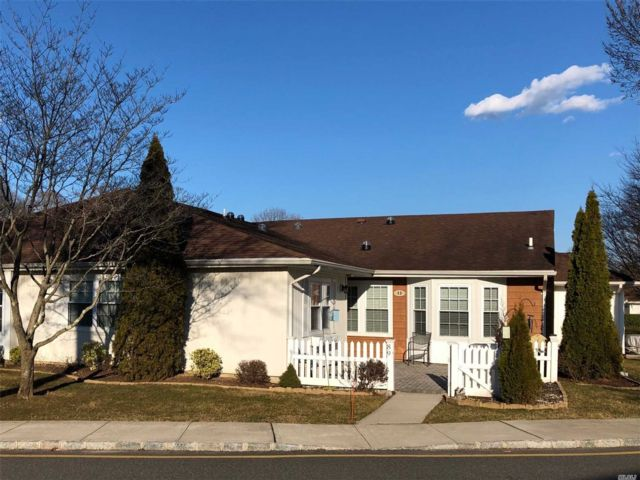 2 BR,  2.00 BTH Homeowner assoc style home in Sayville