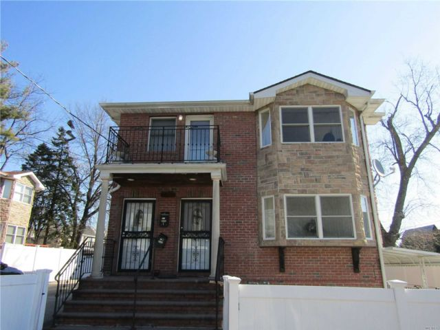 3 BR,  1.00 BTH  Apt in house style home in Bayside