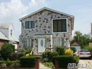 5 BR,  3.00 BTH Duplex style home in Laurelton