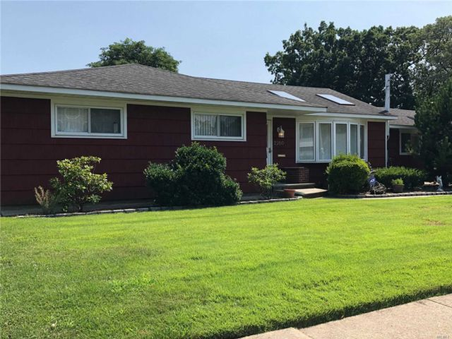 4 BR,  1.50 BTH  Ranch style home in North Bellmore