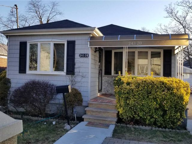 3 BR,  2.00 BTH Ranch style home in Rosedale