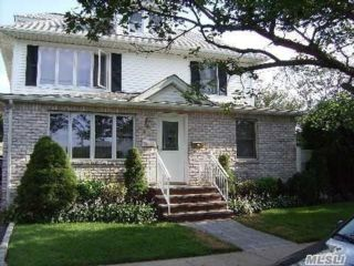 2 BR,  1.00 BTH Apt in house style home in Mineola