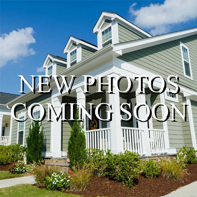 6 BR,  4.00 BTH Contemporary style home in Long Beach