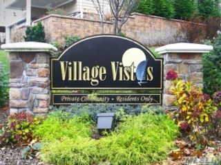 3 BR,  3.00 BTH  Condo style home in Port Jefferson