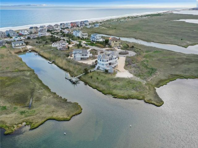 5 BR,  6.00 BTH Post modern style home in Westhampton Dune