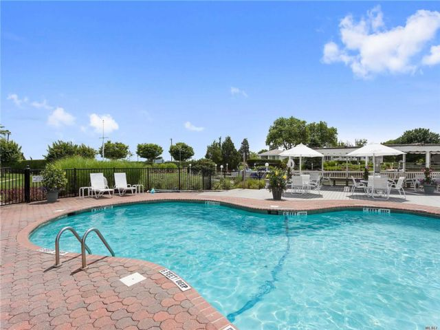 1 BR,  1.00 BTH Co-op style home in Westhampton Bch