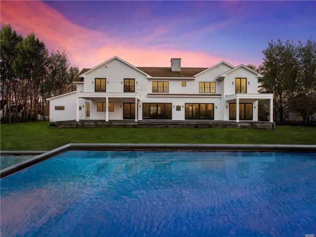 6 BR, 10.00 BTH Post modern style home in Quogue