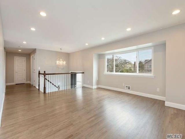 [Merrick Real Estate, listing number 3109069]