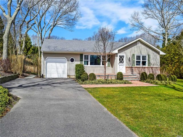 2 BR,  1.00 BTH Ranch style home in Southampton