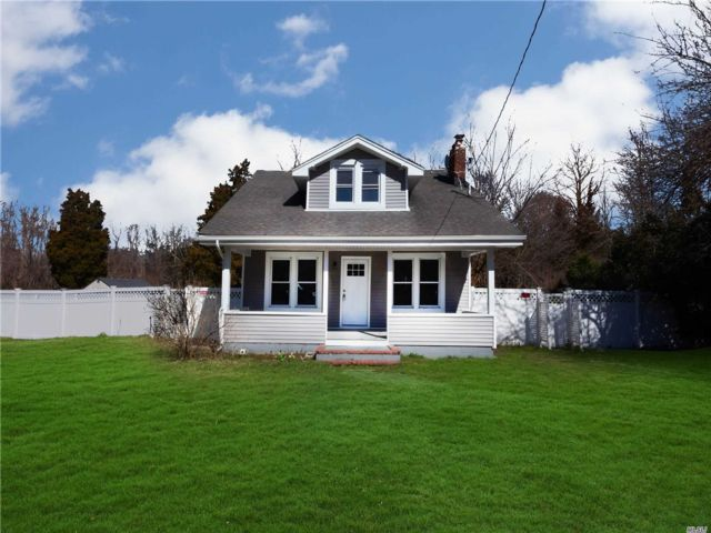 3 BR,  3.00 BTH Exp cape style home in Coram