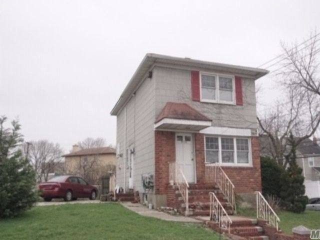 3 BR,  2.00 BTH 2 story style home in Ozone Park