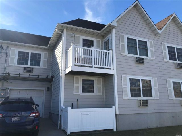 2 BR,  1.00 BTH  Other style home in Arverne