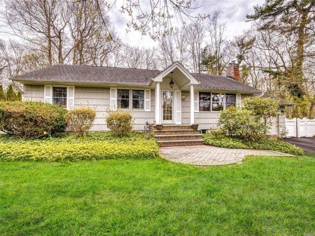 3 BR,  3.00 BTH Ranch style home in Setauket