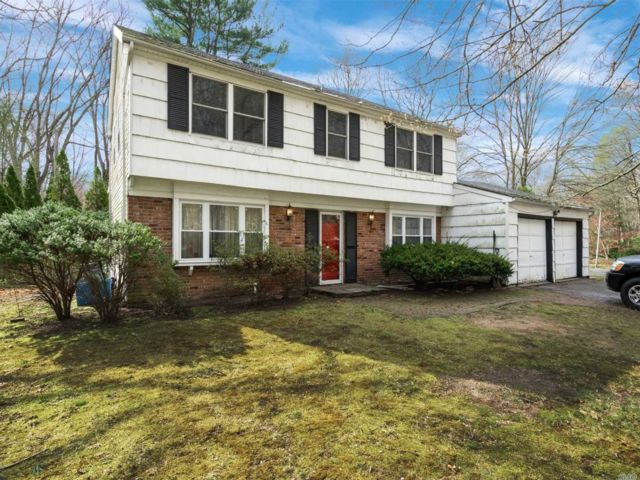 [Stony Brook Real Estate, listing number 3109533]