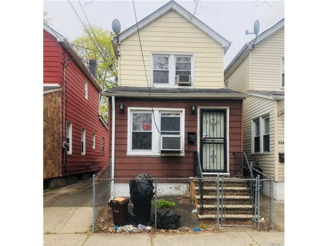 3 BR,  2.00 BTH Colonial style home in South Ozone Park